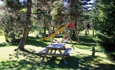 Altre immagini del Parco Alberato con i giochi per bambini-2